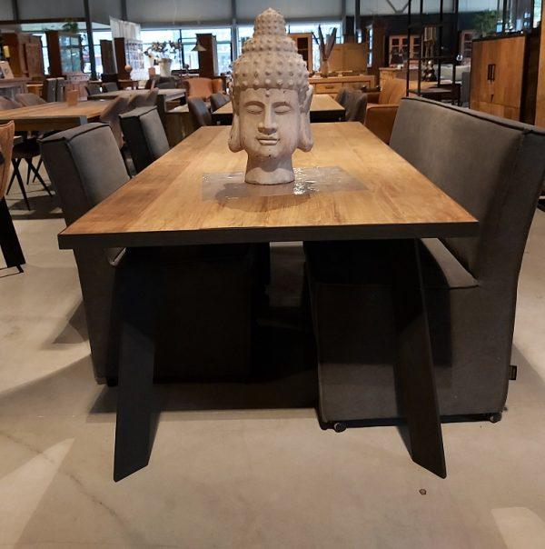 Metal teak tafel Banjar